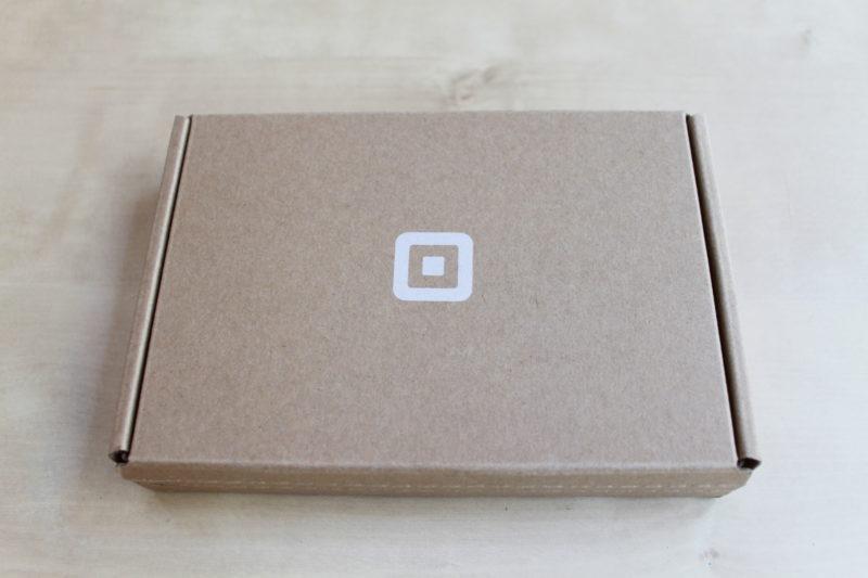 Squareリーダーが梱包されている箱